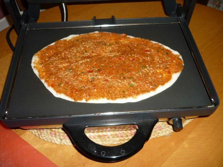 Hausgemachte türkische Pizza Rezept - Ev Lahmacunu Tarifi