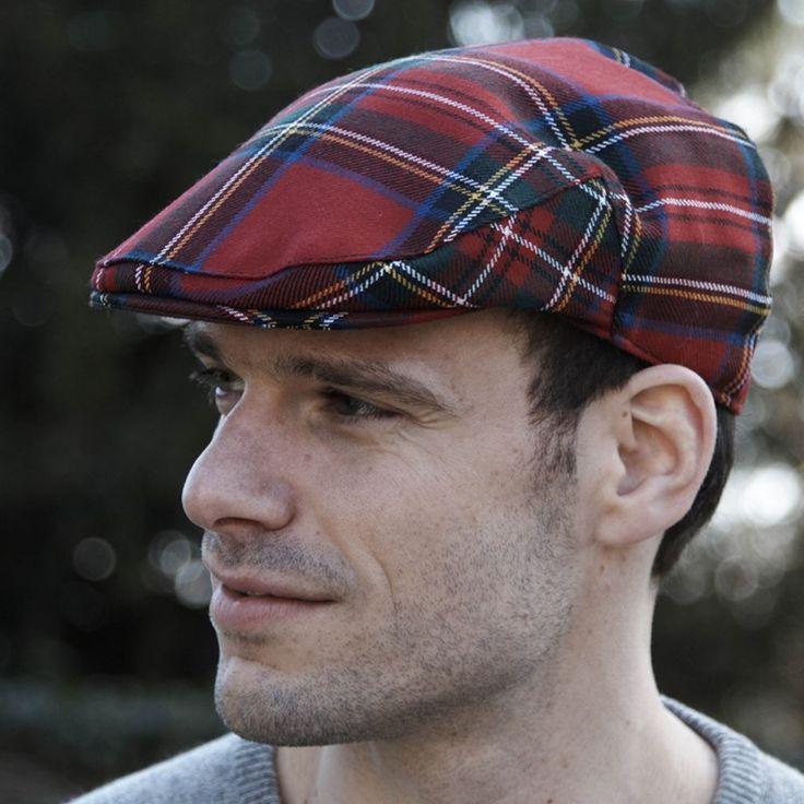Flache Kappe aus Schottenstoff