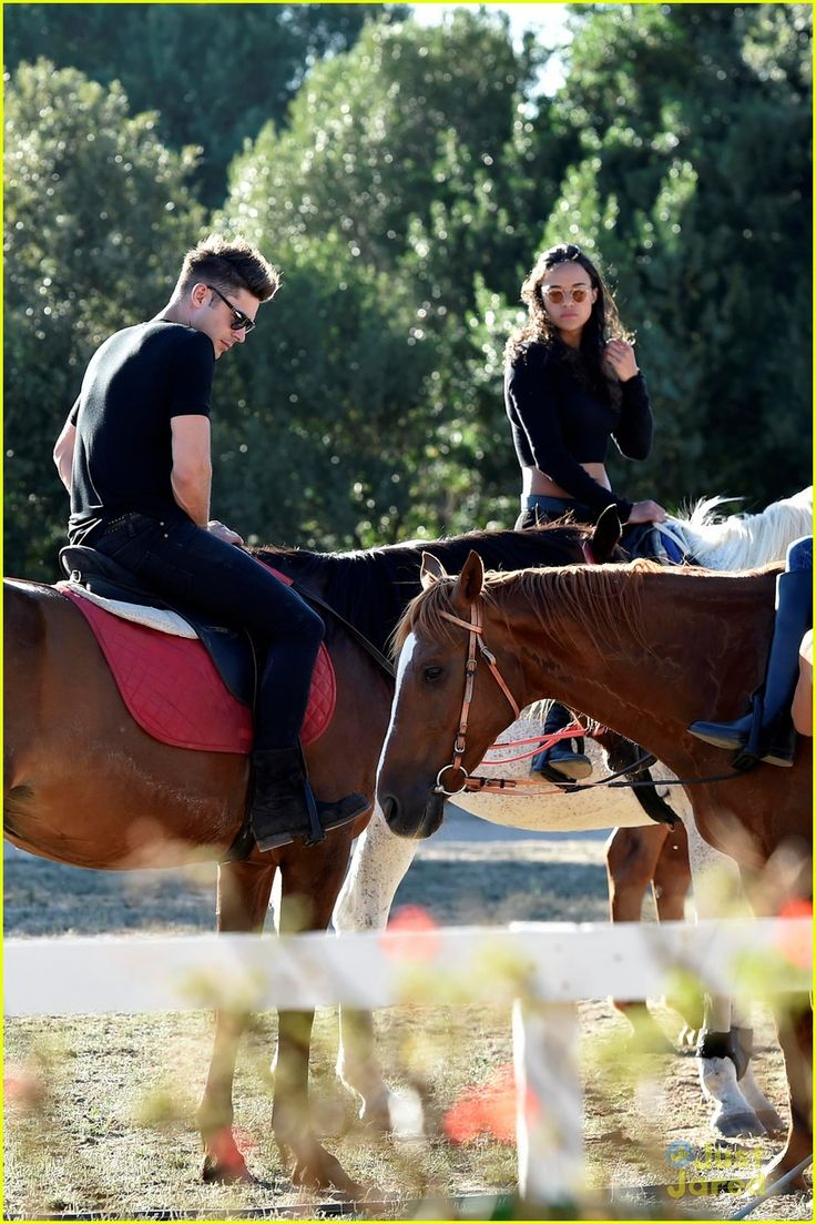 michelle rodriguez and zac efron | Zac Efron & Michelle Rodriguez Kiss & Dance During Italian Vacation ...