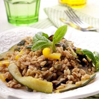 La Ricetta per l'Insalata di farro con melanzane e zucchine, puoi variarla come preferisci e aggiungere altre verdure! ottima e colorata!