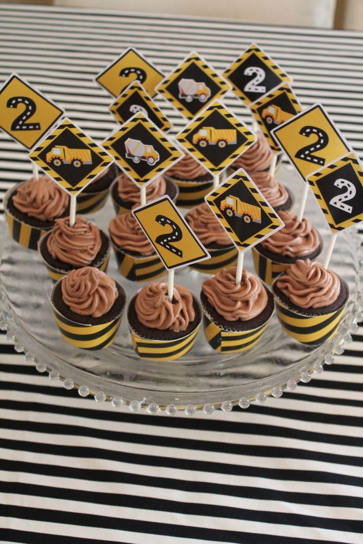 Little yellow black cupcakes