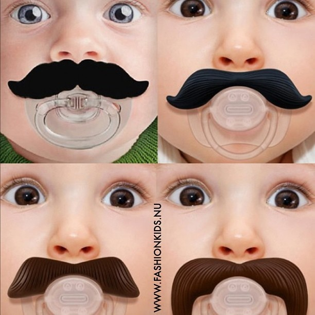 Mustachifier baby pacifier Read more on WWW.FASHIONKIDS.NU ..... Chupeta de bigode Acesse e confira nosso post !! #mustache #fashionkids #postmyfashionkid - @xiaodan Shen- #webstagram