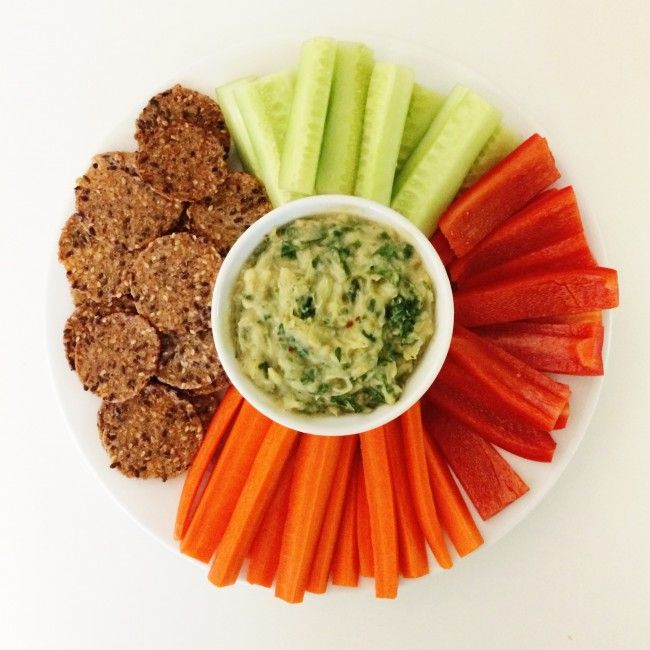healthy spinach artichoke dip on Clean Food Dirty City → As featured on Into The Gloss.