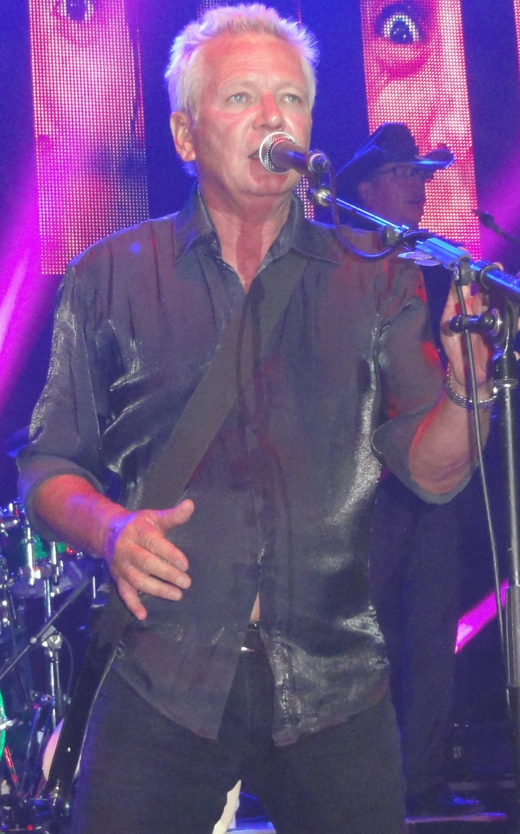 ICEHOUSE Saw them live last night at Twin Towns, great concert