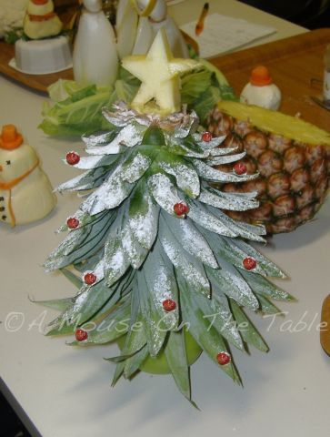 Fruit Tray Garnish #fooddecoration, #food, #cooking, https://facebook.com/apps/application.php?id=106186096099420
