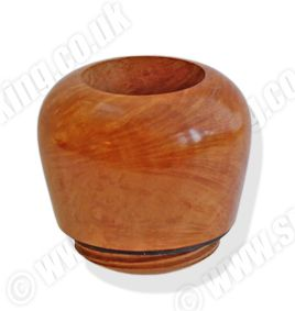 The deluxe Falcon Genoa Hunter bowls are hand turned from a higher-grade briar compared to the standard and classic bowls. Available in the eight original standard shapes, these highly polished bowls are lightly stained to show off their beautiful natural grain.   The bowl is the heart of a good pipe and only the finest Mediterranean briar and Turkish meerschaum is used for all Falcon Bowls. http://www.smoke-king.co.uk/acatalog/buy-falcon-hunter-pipe-bowls.html