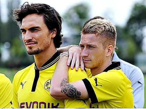 Mats Hummels and Marco Reus, BVB World Champion stars. I really appreciate Reus' and Hummels' decisions this season to stay in BVB eventough many bigger clubs approached them