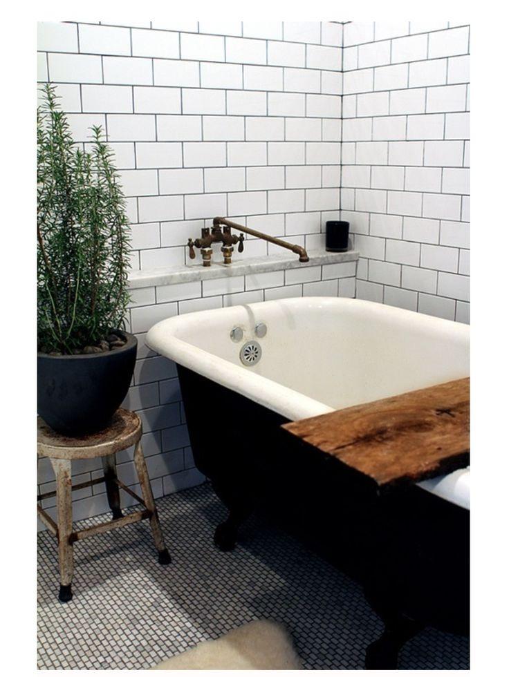 white tiles / black grout hiya