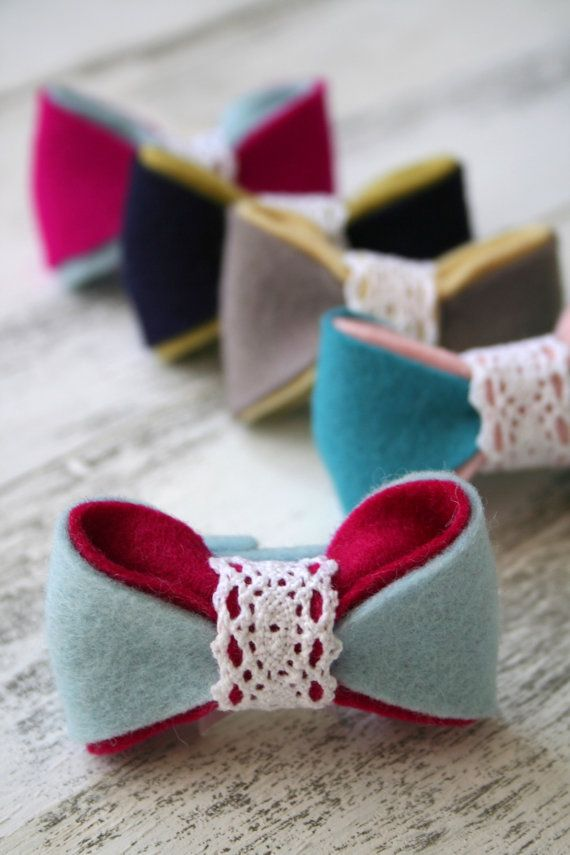 Felt bows-the lace in middle is sweet