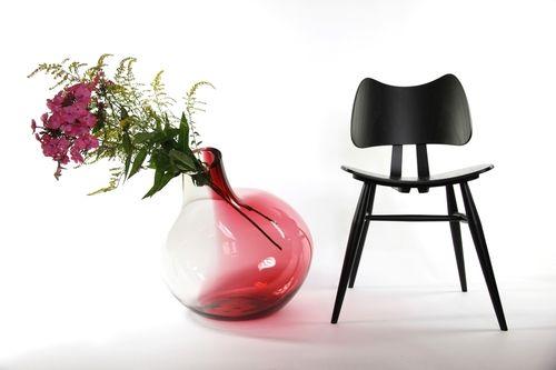 Big+Bird+GreyRed+with+Chair.jpg