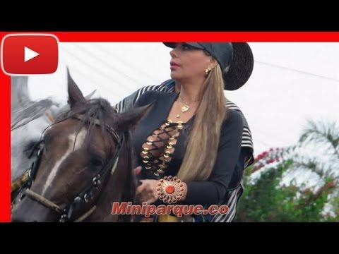 Bellas mujeres a caballo horses horse cabalgata sevilla valle 2016 video HD 103