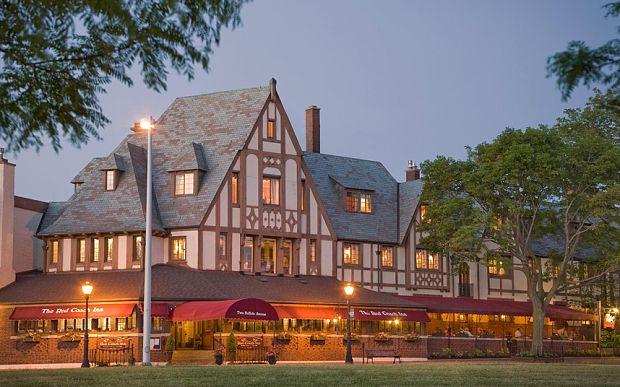 10 Best Niagara Falls Hotels Red Coach Inn Niagara Falls #Niagara Hotels