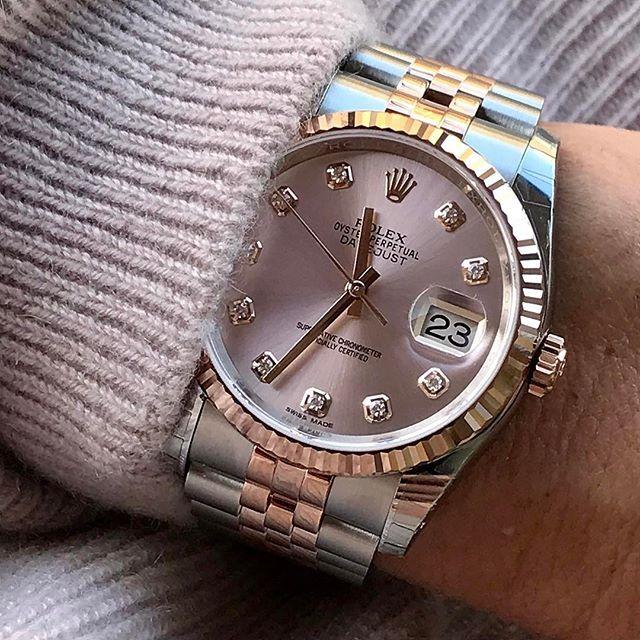 On adore le cadran rose de cette  Datejust de Rolex. // www.leasyluxe.com #pink #rolex #leasyluxe
