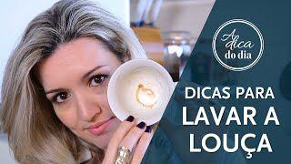 Lavar louça de um jeito mais fácil tem seus truques e segredos. Flávia Ferrari mostra todos eles neste vídeo do #aDicadoDia e ainda uma dica para turbinar o poder do seu detergente.