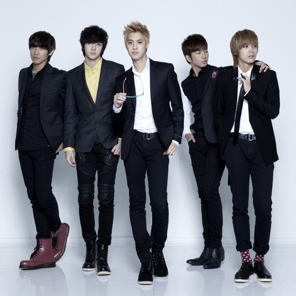 men in suits mblaq kpop guys pinterest suits kpop