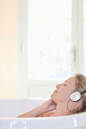 音楽の癒しの力。科学的に認定された「世界一癒やされる音楽」 - NAVER まとめ