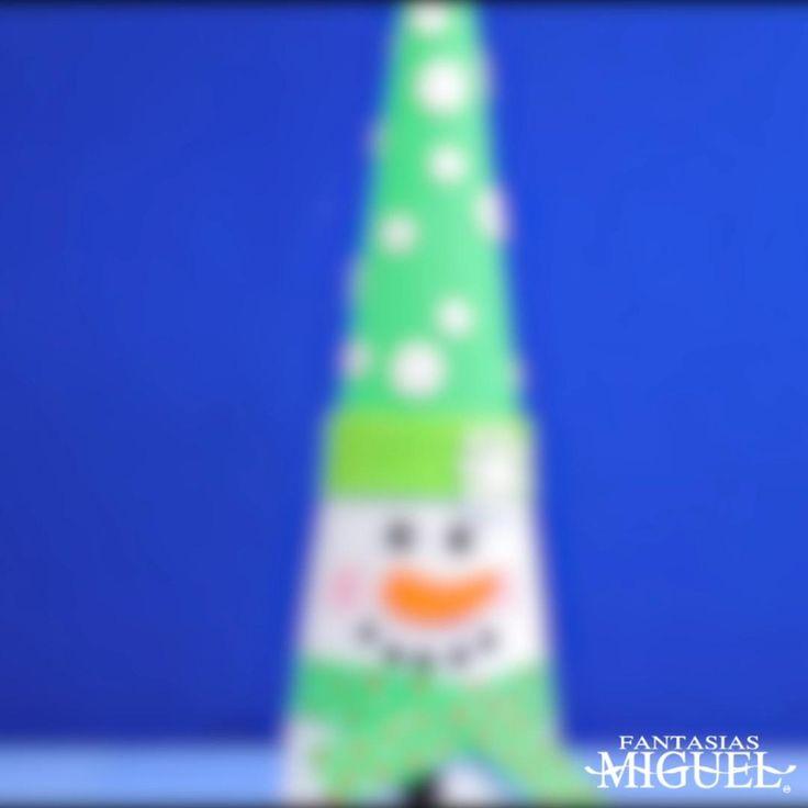Decora esta Navidad tu hogar, con unos increíbles muñecos de unicel. Los puedes poner en tu entrada, debajo de tu árbol o cualquier parte de tu hogar. Pasta Flexible, Merry Christmas And Happy New Year, Irene, Diana, Xmas, Arts And Crafts, Fantasias Miguel, Funny Animal Pictures, Christmas Projects