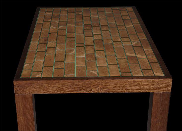 Стол деревянный светящийся