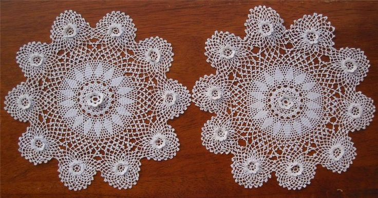 Pair of Vintage Hand Crochet DOILIES 'Raised Rosettes' in White NEVER USED