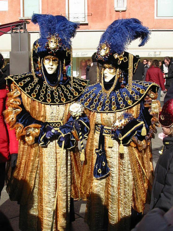 decadent carnivale costumes in venice mardi gras