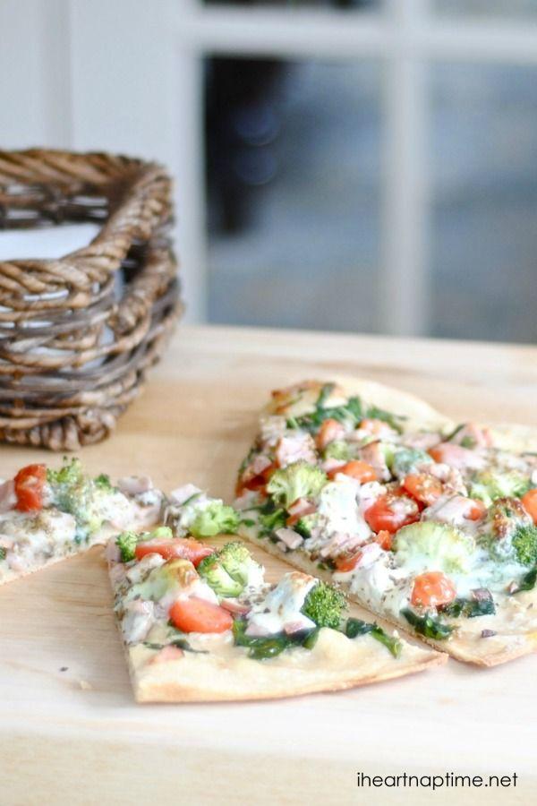 Здоровый рецепт пиццы на iheartnaptime.com ... это выглядит вкусно!  #healthyrecipes