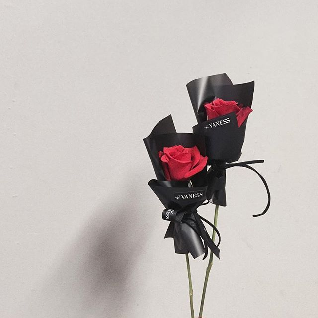 rose wrapping