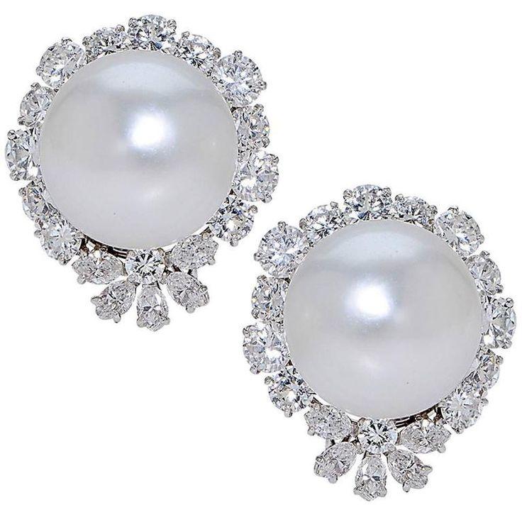 Van Cleef & Arpels South Sea Pearl Diamond Platinum Earrings