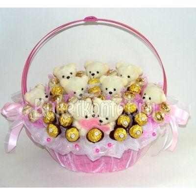 """Плюшевое счастье. Букет из игрушек и конфет за 3 950 рублей от магазина """"Букет конфет"""" #букетизконфетиигрушек #букетсигрушками #плюшевыймишка"""