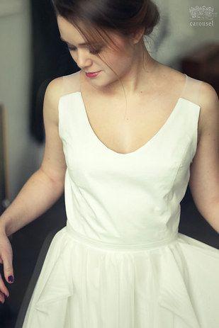 36 Elegant Minimalist Wedding Dresses