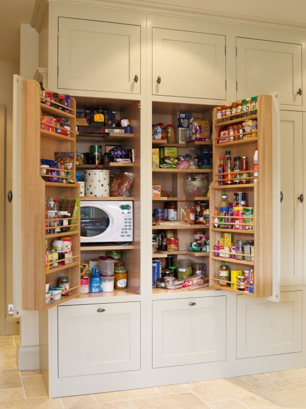 Larders and pantry cabinets, built-in or freestanding   Simon's