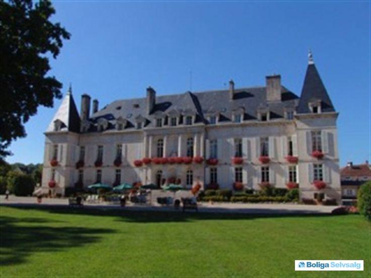 Place Moreau 16, Arc en Barrois, Frankrig - Fransk tidligere kongeslot #frankrig #boligsalg #selvsalg