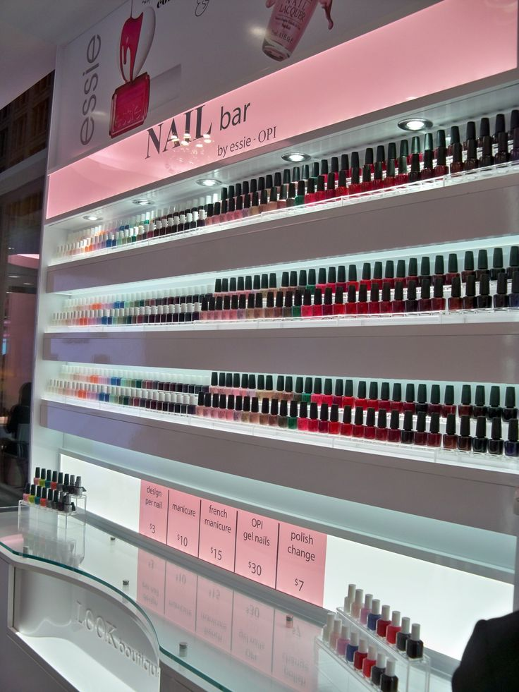 nail bar in chicago at Walgreens... why do my walgreens not have this!?