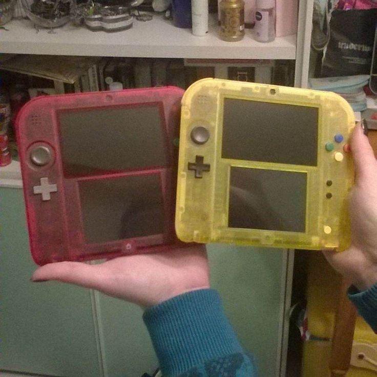 Shared by freebeadspatter #retrogames #microhobbit (o) http://ift.tt/2kNIu0q #Pokemon20 bundles are awesome! #Pokemon #PKMN #Nintendo #Videogames #Retrogames #Nostalgia #2DS #PokemonRed #PokemonYellow #Pikachu #charmander