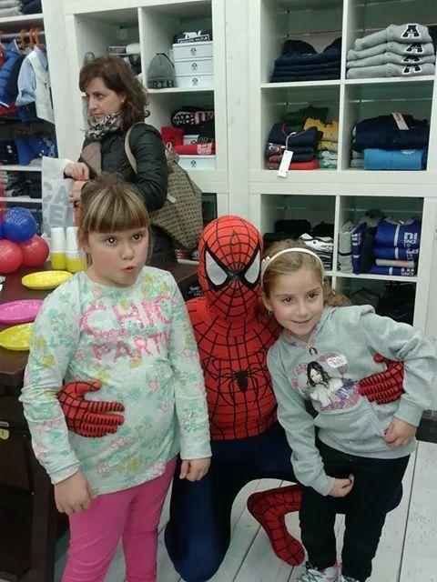 Spiderman e le sue piccole amiche!!! www.multiservizinnovativi.com