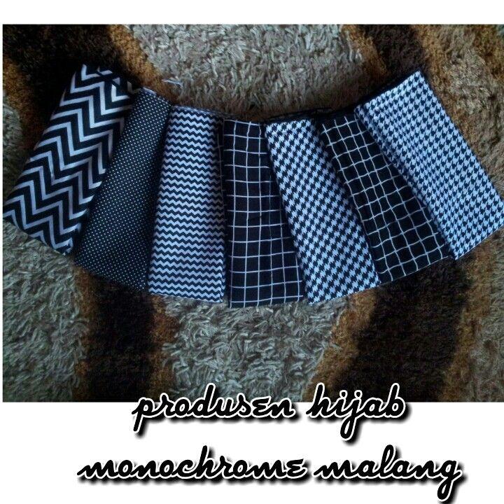 hijab monochrome