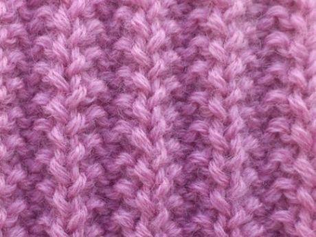 Franceză guma + video de master-class guma de franceză este utilizat în tricotat îmbrăcăminte: pălării, eșarfe, pulovere, paltoane.  gumă asociată franceză spițe se referă la modele care sunt executate din backstitches și bucle faciale.  Una dintre calitățile distinctive ale gumei franceze este gabaritului său.  Dacă modelul este destul de bine, se va arata ca un onduleu mic.  Acest lucru contribuie la utilizarea sa frecventă în haine de tricotat pentru copii.  Această gumă alternanță se…