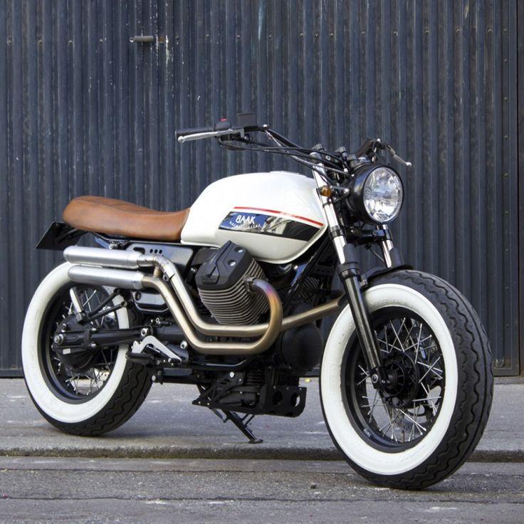"""Jantes 16"""" pour Moto Guzzi V7 - Baak Motocyclettes"""