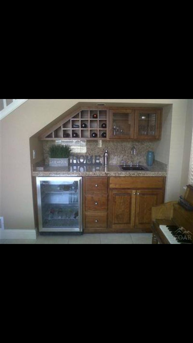 https://i.pinimg.com/736x/ca/86/a0/ca86a0e9681b95b45576f44cfe4808c1--kitchenette-ideas-basement-kitchenette.jpg