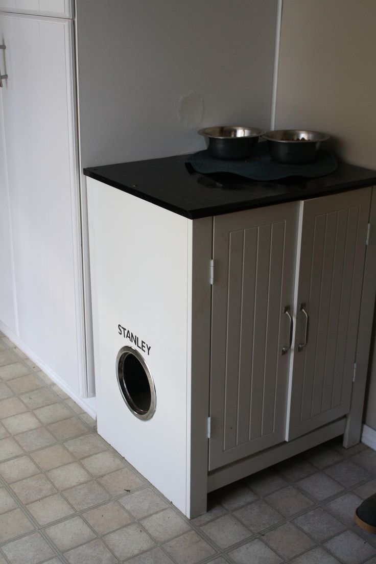 Cat Litter box & Food station! Used an old electric stovetop