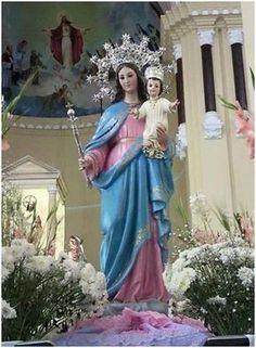Oración a la virgen para pedir un milagro. Madre amable de mi vida Auxilio de los Cristianos, la gracia que necesito Pongo en Tus benditas manos. Dios te