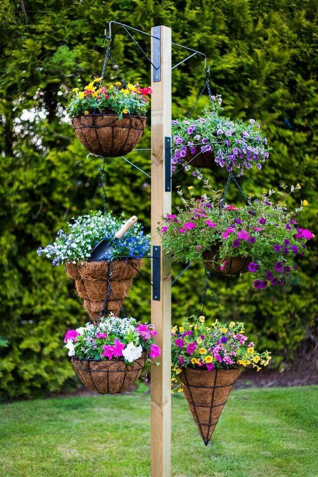 One pole and many hanging baskets for a tower of colour