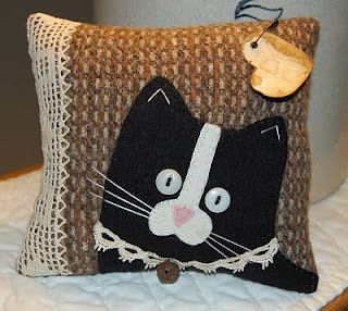 Cat Haven Craft House: Free Pattern  >must make for a cat-lover I know :)
