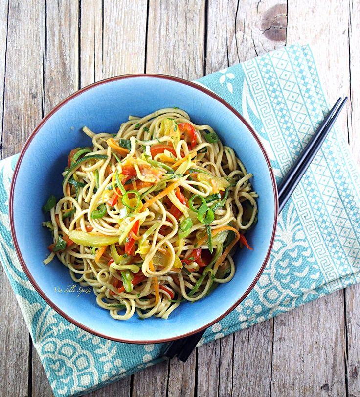 <p>BuonDì oggi vi posto una ricetta di ispirazione asiatica, si tratta di noodles saltati con delle verdure. Guardo tantissime trasmissioni di cucina, penso che si possa trarre spunto da qualsiasi cosa, adattandolo in base ai propri gusti e agli ingredienti che ci sono in dispensa. Qualche giorno fa stavo guardando …</p>