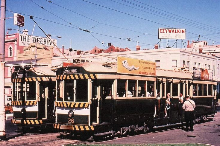 Trams 5 and 25 at Charing Cross in Bendigo 07 02 1972