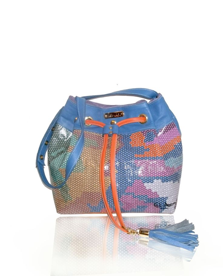 #handbags #trends 2016 #fashion https://www.facebook.com/laspablo.carteras https://www.facebook.com/karina.elazem?fref=ts