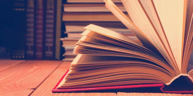 30 Bücher, die ihr kennen müsst, um als belesen zu gelten – Marion Aymer