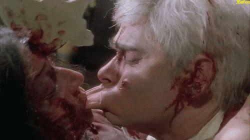 Beso de caníbal - Gif de Terror - 59