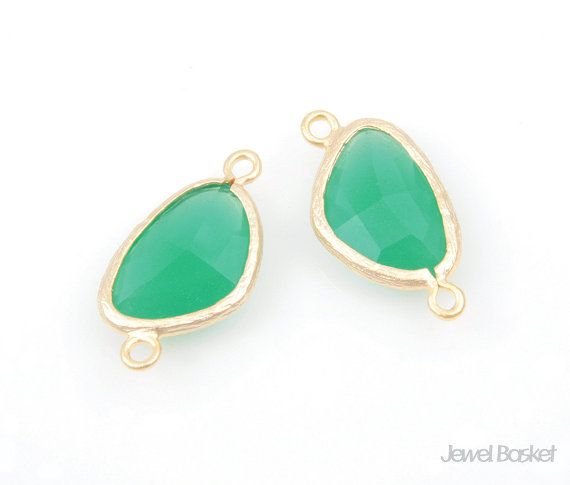 - Matte Gold Frame (Tarnish Resistant) - Palace Green Color Glass - Brass and Glass / 10mm x 20mm  - 2pcs / 1pack