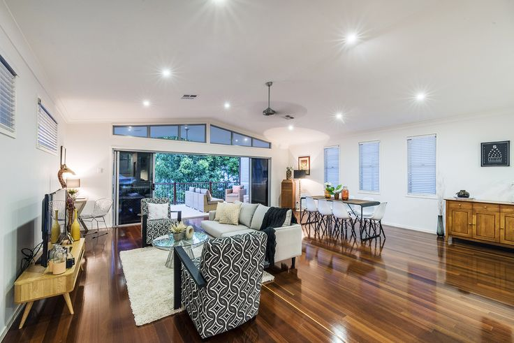 COORPAROO 36 Illidge Street ... Occupying a prime 405m2 block set in a quiet prestigious street, this contemporary split level residence is a sanctuary designed for outstanding family living and entertaining.