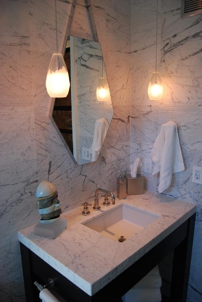 Marble bathroom- www.alphastoneusa.com